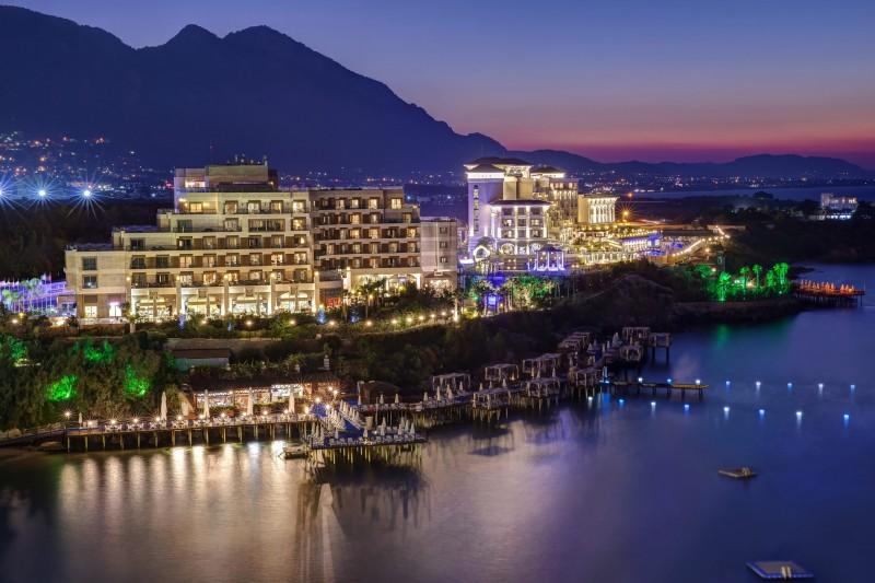 Lüks Kıbrıs Oteli - Merit Royal Otel